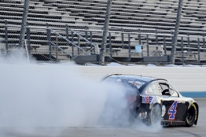 NCS: Truex and Elliott Tangle; Harvick Wins Playoff Opener at Darlington