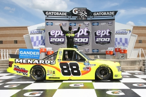 NGROTS: Matt Crafton Wins e.p.t 200 at Kansas Speedway
