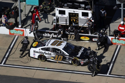 Almirola Finishes Solid Fifth at Homestead