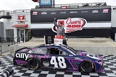 Alex Bowman steals Richmond win from dominant Hamlin