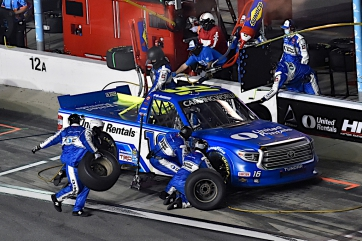 Hill's Methodical March at Daytona Comes Up Short